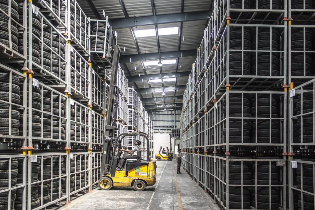 Logistique industrielle et gestion des achats